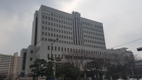 `한미약품 미공개정보 사건` 지주사 임원 1심 판결에 불복 항소