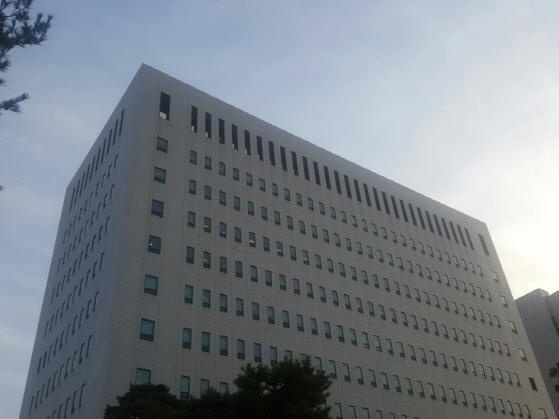 검찰, 포털 유명 투자카페 주가조작 사건 공범들 구속기소