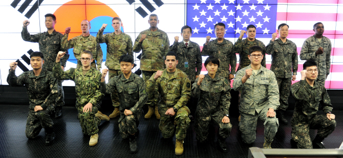 `폭탄`된 문정인 워싱턴 발언…한·미 군사 훈련이 뭐길래