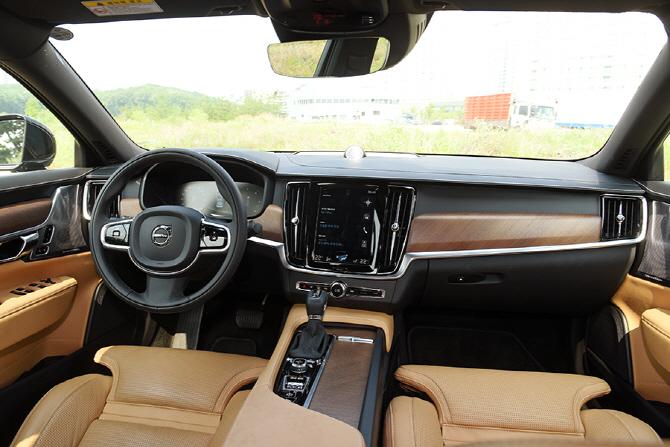 볼보 S90 D4 시승기 - 수입 디젤 세단 시장의 기조를 바꿀 존재