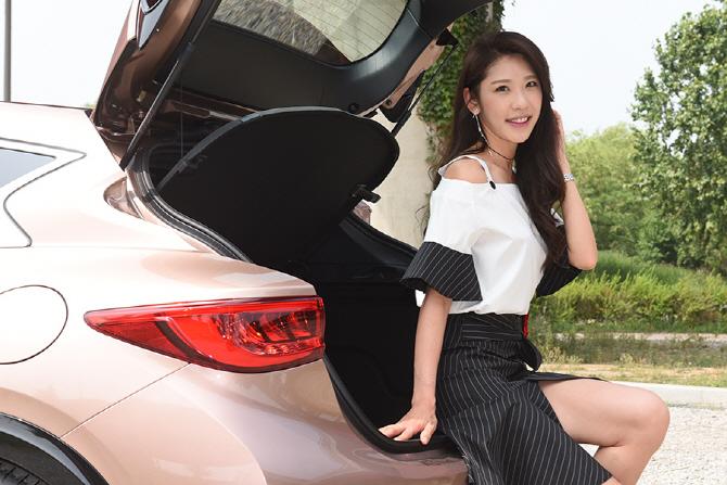 [레이싱 모델 이영] '패션 모델에서 새로운 도전' 레이싱 모델 이영