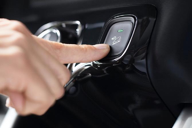 시트로엥 C4 에어크로스 - 감각적인 SUV의 귀환