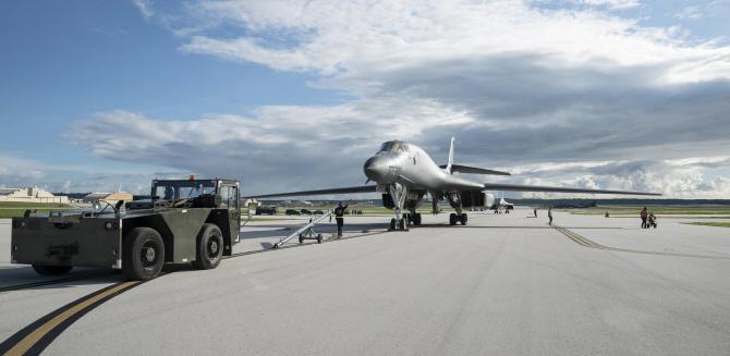 [포토] 괌은 지금..미군 앤더슨공군기지에 `B-1B`
