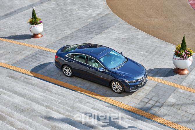 한국GM, 2018년형 말리부 출시…저공해 차량 인증