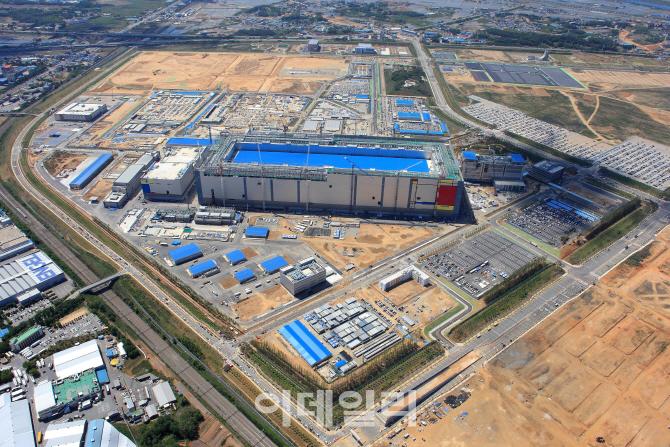 삼성물산, 삼성전자 평택공장 8291억 규모 마감공사 수주