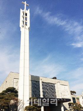 [기재부 24시]김진표 법안이 침묵한 대형교회 부동산 탈세