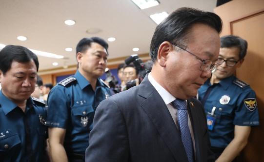 [일문일답]김부겸 장관, `불미스런 상황 계속시 지위고하 막론 책임 물을 것`
