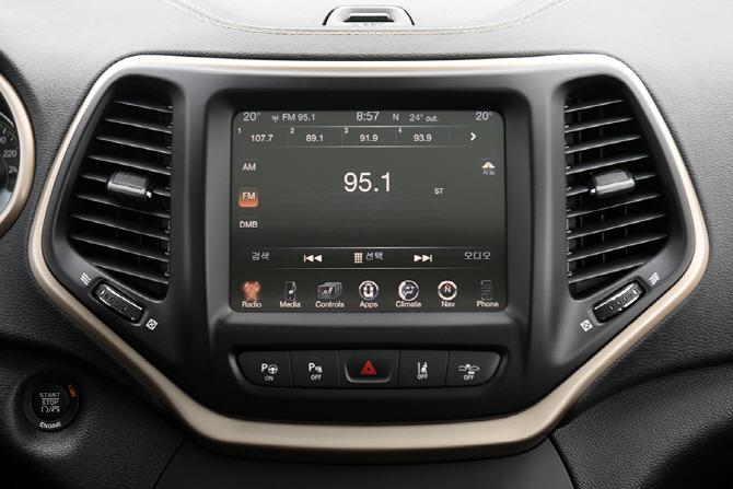 지프 체로키 2.2 4WD 시승기 - 지프가 만든 현대적 SUV의 가치
