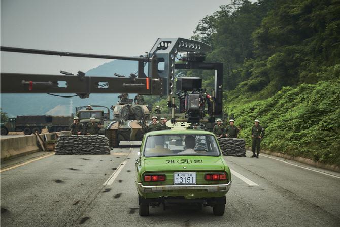`전쟁나면 차를 타고 도망간다?` 전쟁 시 자동차에 대한 이야기