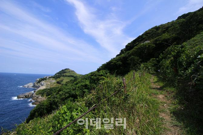 [가을을 걷다②] 별을 품은 듯 반짝이는 바다를 걷다