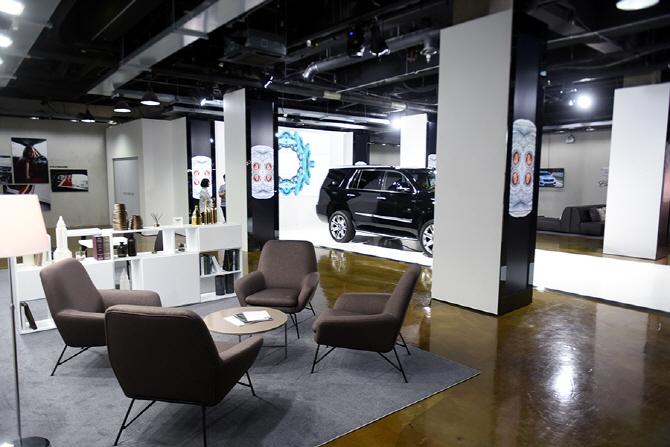 [캐딜락 하우스 서울] 캐딜락의 차량과 럭셔리한 감성을 느낄 수 있는 캐딜락 하우스 서울