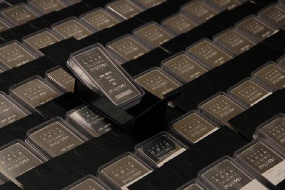 `한반도 전쟁 날라`…고공행진 금·은·동價