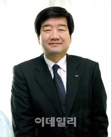 """최평규 S&T 회장, 창업 38년 맞아 """"근자필성, 계속 도전하자`"""