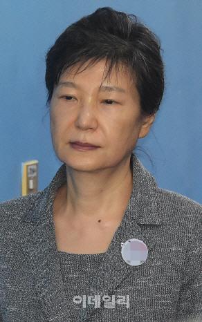 탈당 권유에 박근혜 측 `침묵`…자진탈당 않겠다?