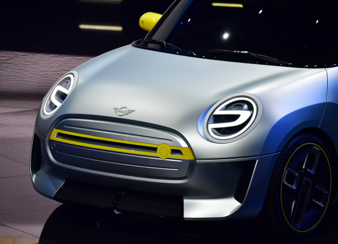 BMW MINI, 첫 양산형 전기차 `미니 일렉트릭 콘셉트`