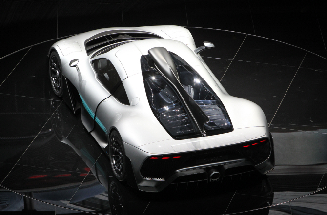 메르세데스-AMG 프로젝트 원, 날렵한 모습