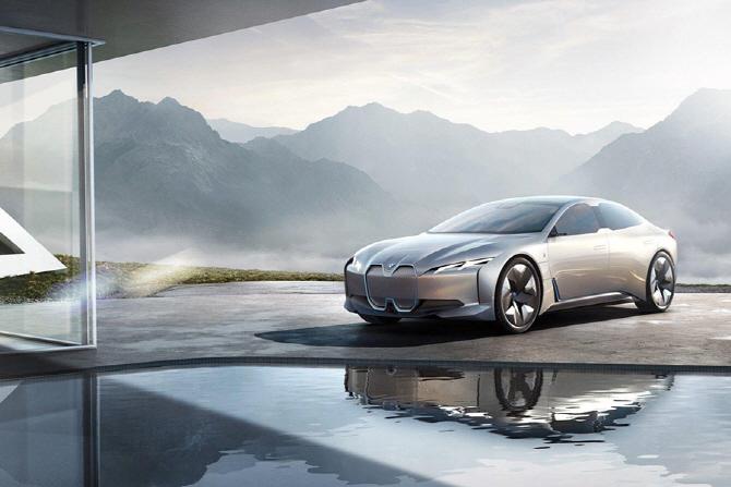 '프랑크루프트 모터쇼는 지금' 메르세데-벤츠·BMW·폭스바겐 그룹 '전기차가 미래다'