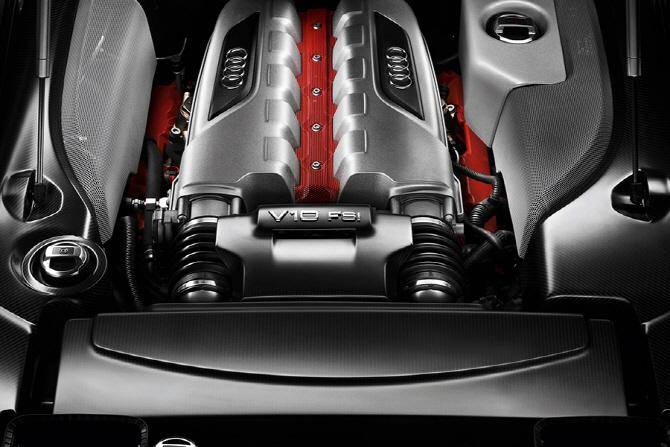 아우디 R8 LMS 레이스카 리뷰 - 다시 한번 모터스포츠의 선봉에...