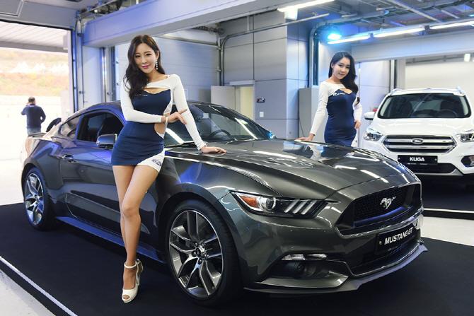 [머스탱 트랙데이] 포드 머스탱 GT와 함께 한 레이싱 모델 한지오-민채윤