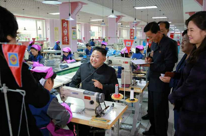 北김정은, 시진핑에 축전 `북중관계 발전 확신`..관계 개선 나서나