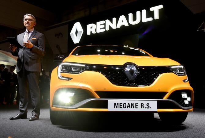 르노 `메간 RS 트로피`, 노란빛으로 물든 외관