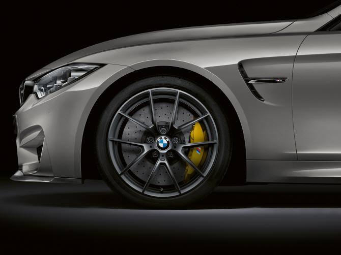 BMW 'M3 CS', 타이어 휠