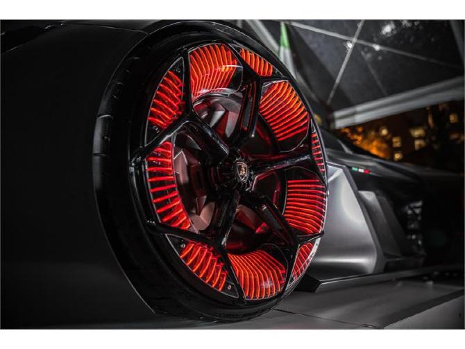 람보르기니 '테르조 밀레니오', 타이어 휠