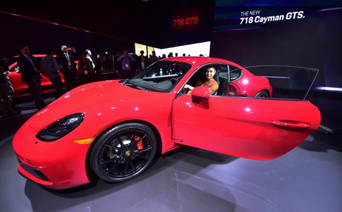 포르쉐 '718 카이맨 GTS', 매력적인 디자인