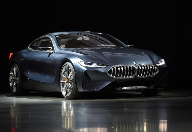 BMW '8시리즈 콘셉트카', 상남자 눈빛