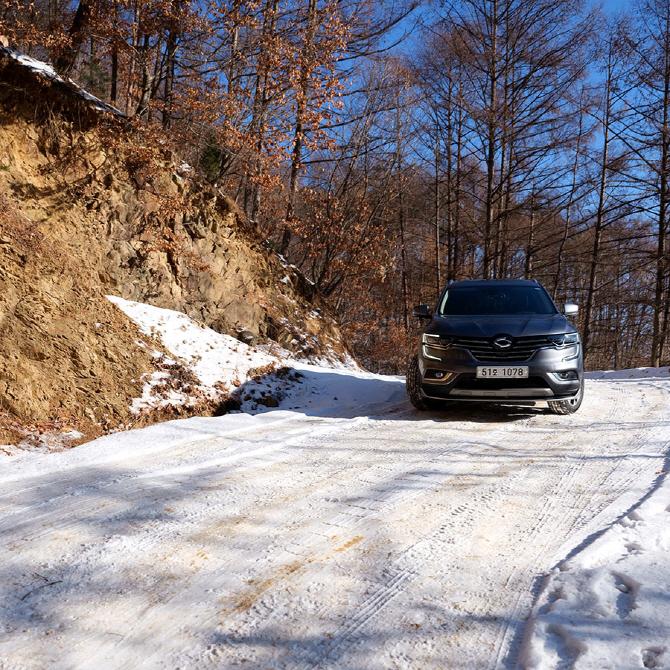 겨울 산길에서 안정적인 주행을 뽐낸 르노삼성 QM6