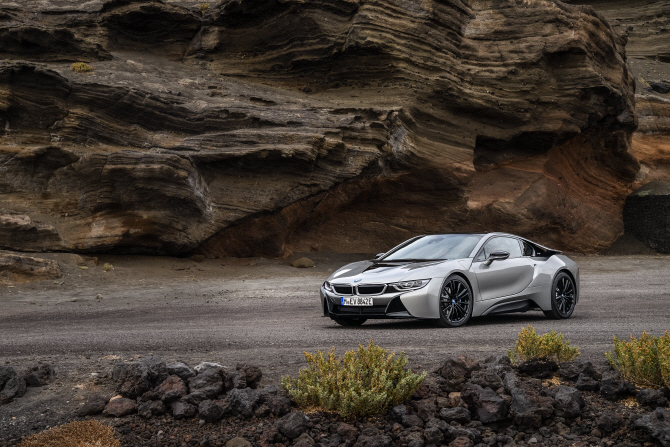 BMW 'i8 쿠페', 날카로운 눈빛