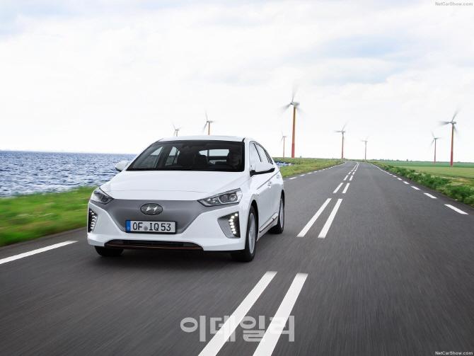 현대차, `동남아판 우버` 그랩에 투자..8개국서 230만명 운전