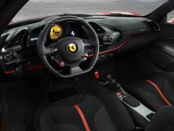 페라리 V8 스페셜 시리즈 488 피스타 인테리어