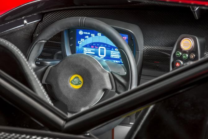 로터스 '3-일레븐 430', 스티어링 휠