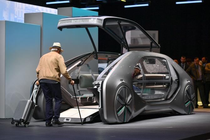 르노 'EZ-GO 콘셉트', 미래에서 온 車