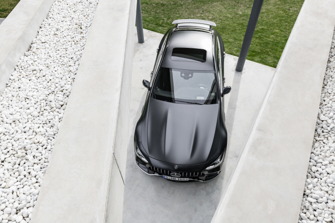벤츠 'AMG GT 4도어 쿠페', 위에서 내려다보니..