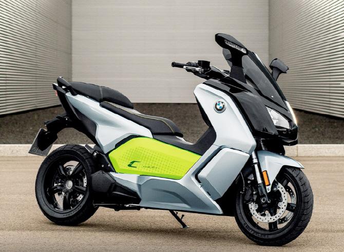 BMW, 전기 스쿠터 `뉴 C 에볼루션` 선봬…가격은 2490만원
