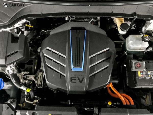 잘 만든 코나 EV..현대차,전기차 머뭇거린 이유