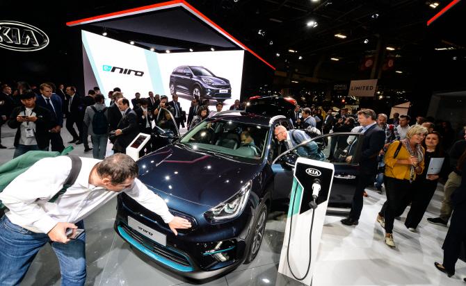[파리모터쇼]SUV·친환경·고성능車…유럽을 달구다