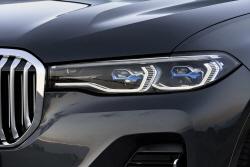 BMW 'X7', 날카로운 헤드램프