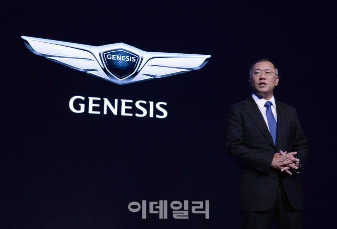 이름·얼굴 다 바꾼 'G90'…제네시스 제2도약 나선다(종합)