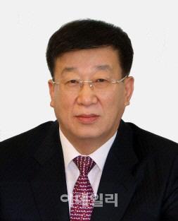 정의선, 노무관리 전문가 윤여철 부회장 재신임