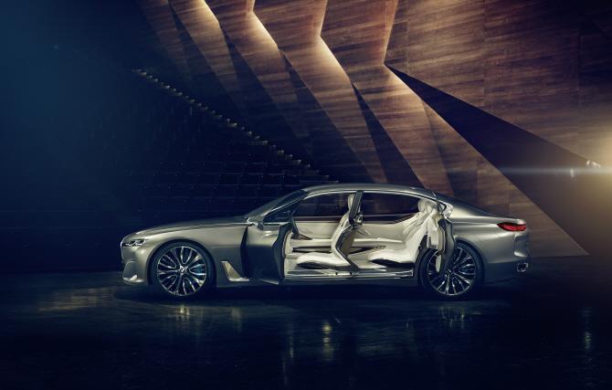 풀체인지 된 BMW `7시리즈`, 외관 이미지 유출