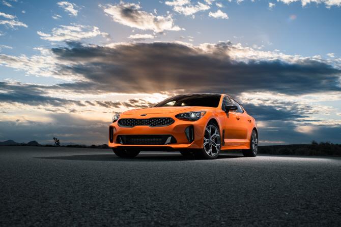 기아차 '스팅어 GTS', 색상은 '페더레이션 오렌지'