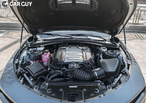 [시승기]묵직한 V8 엔진을 1억 절반값에..쉐보레 더 뉴 카마로 SS