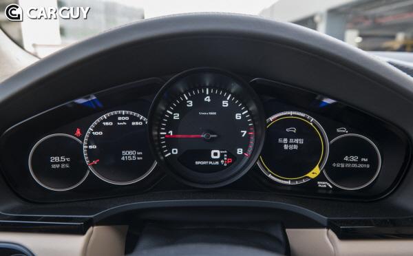 [시승기]팔방미인 스포츠카 SUV..포르쉐 카이엔 경쟁자는