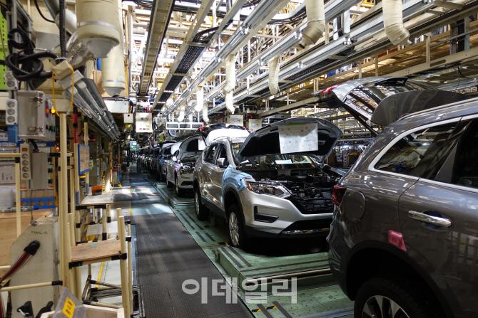 르노삼성 `전면파업` 전격 철회…임단협 재협상 돌입(상보)