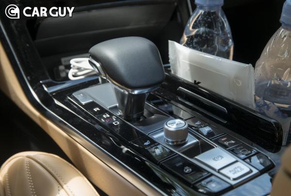 [시승기]`전륜구동 K9이야,너무 잘생겼어`..기아 K7 프리미어