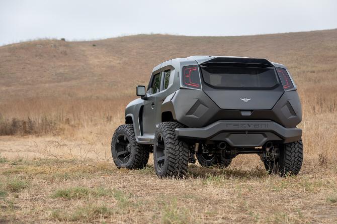 랭글러의 완벽한 변신…특별한 SUV `2020 레즈바니 탱크` 공개