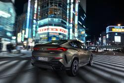 BMW 'X6'